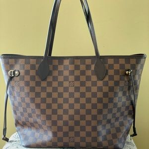 Authentic Louis Vuitton Neverfull MM slightly used